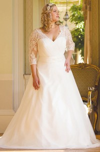A-Line 3-4-Sleeve V-Neck Tulle Plus Size Wedding Dress