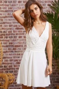 Chic Chiffon Lace V-neck A Line Sleeveless Short Backless Wedding Dress