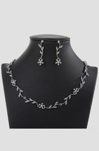 Elegant Flower Design Rhinestone Necklace and Earrings Jewelry Set