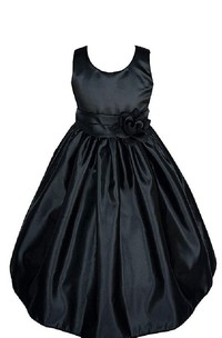 Sleeveless Ruffled Taffeta Dress With Flower Waist