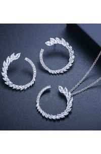 Romantic Bridal Rhinestone Necklace and Earrings Jewelry Set