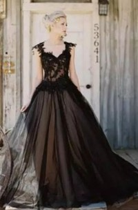 Ball Gown Straps Lace Tulle Floor-length Sleeveless Wedding Dress with Straps Back