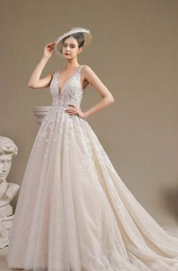 Vintage V-neck Plunging Keyhole Sleeveless Lace Appliqued Ballgown Wedding Dress With Ruching